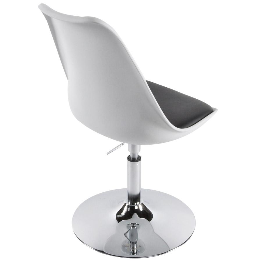 Queen white black newsite 03 - Chaise blanche et noir ...